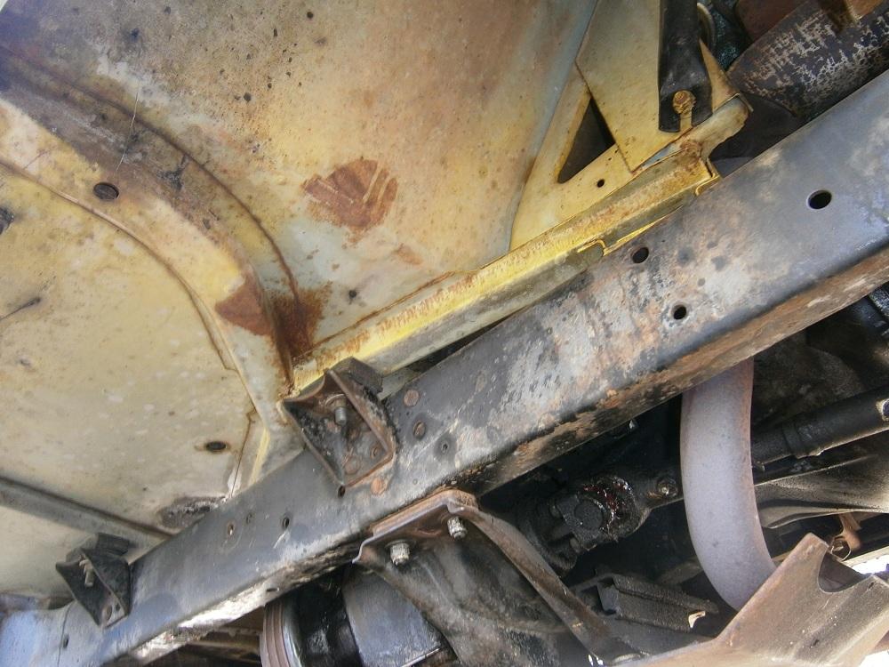 37 garage rust.JPG