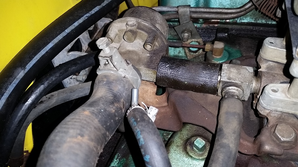 4 valve fittings and bracketry.jpg